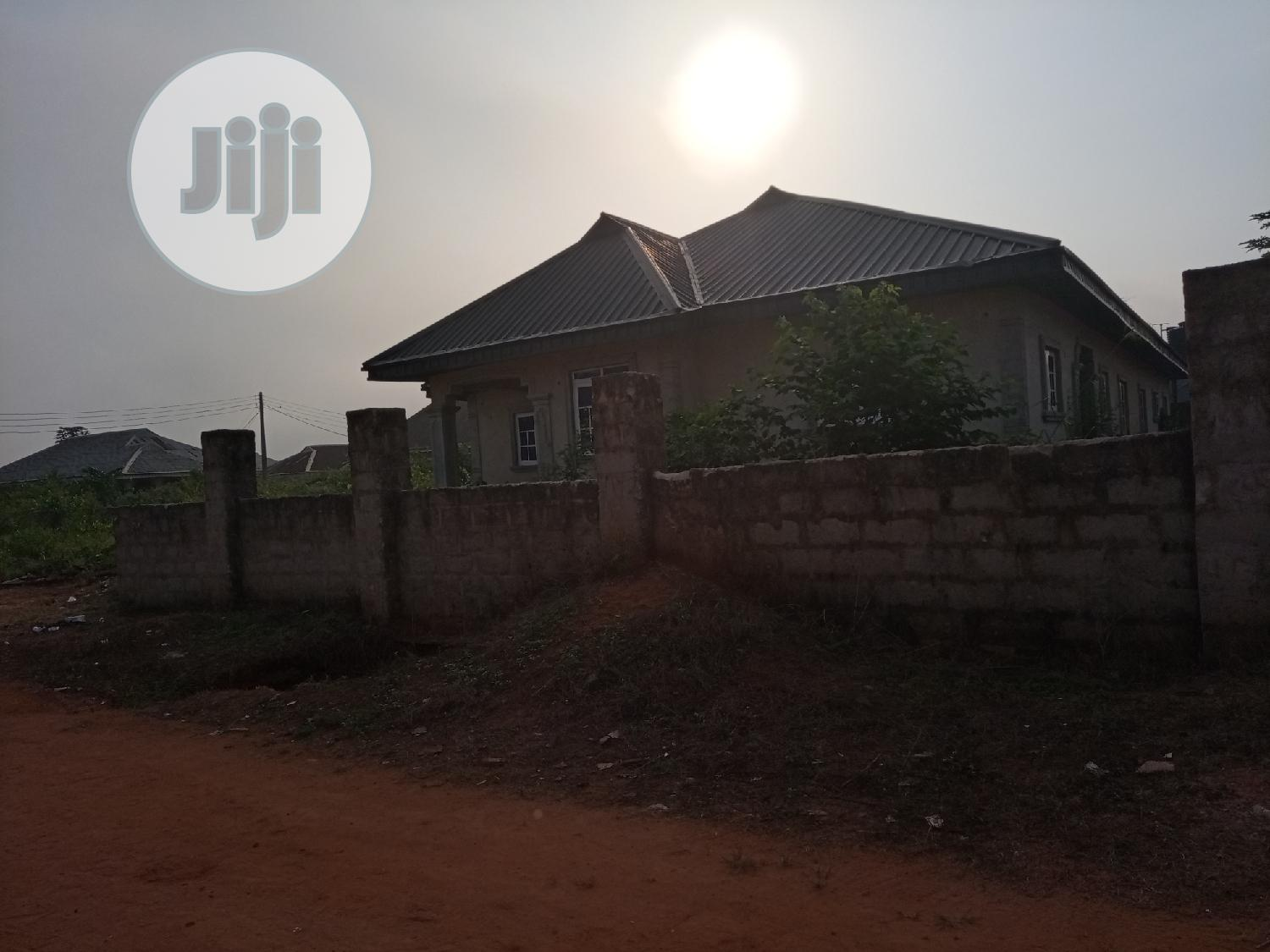 Three Bedroom Flat for Sale | Houses & Apartments For Sale for sale in Ikpoba-Okha, Edo State, Nigeria