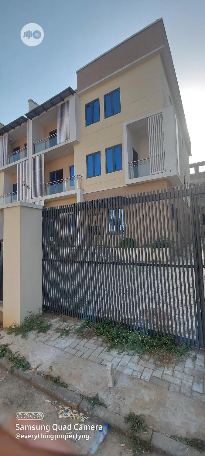 Newly Built 5bedroom Semi Detached Duplex With 3living Rooms