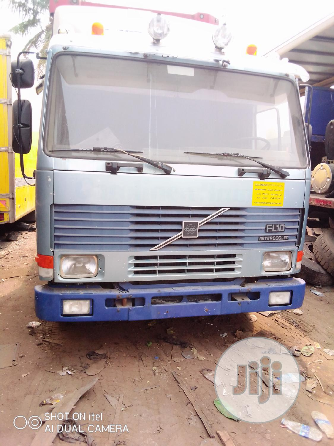 Volvo FL10 Tractor Head Is Available for Sale