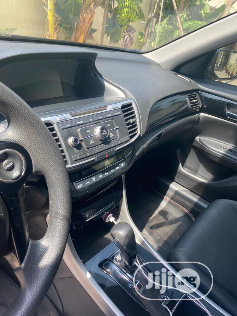 Archive: Honda CR-V 2015 Blue