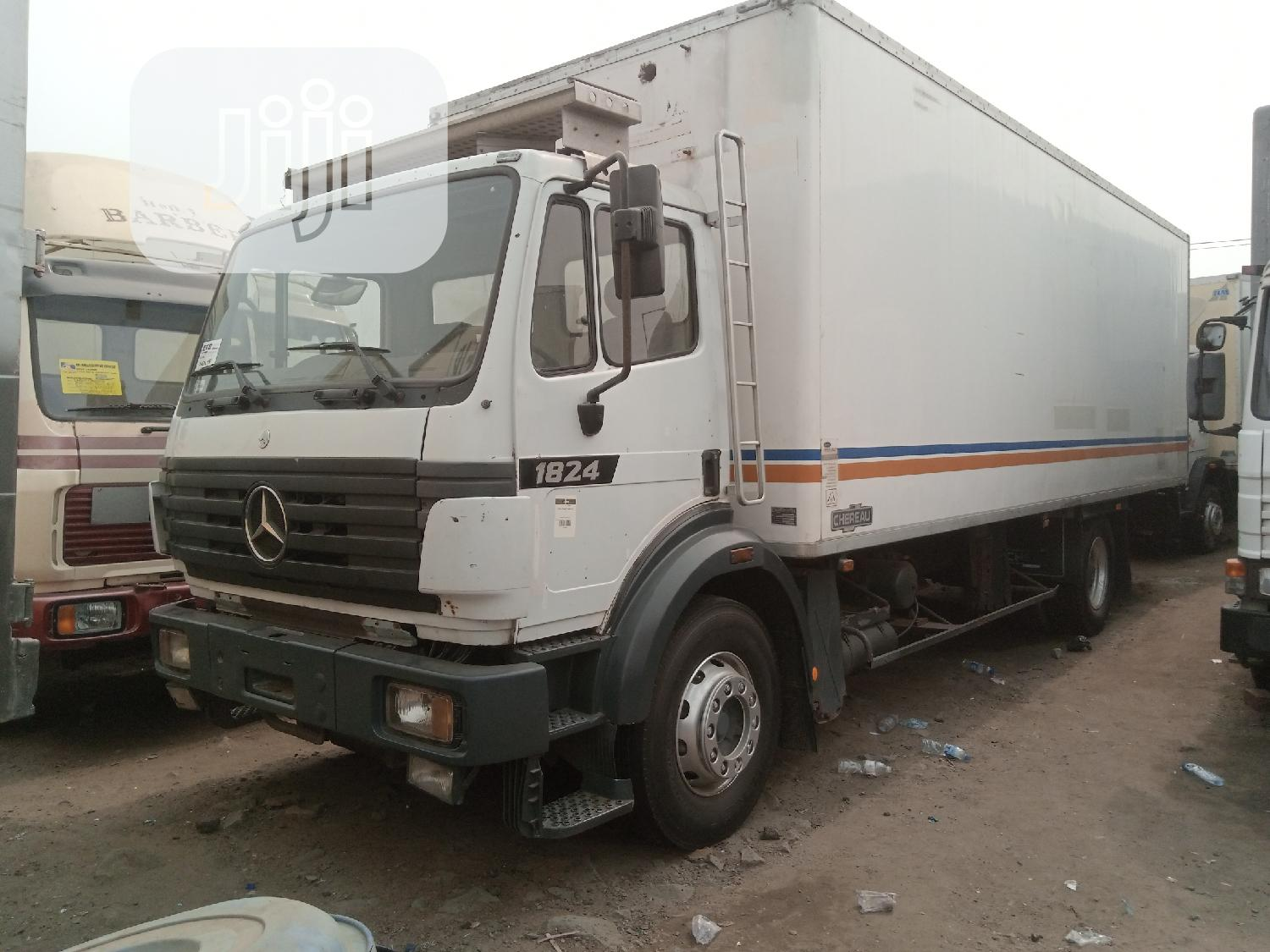 Mercedes Benz 1824 Container Body Truck White