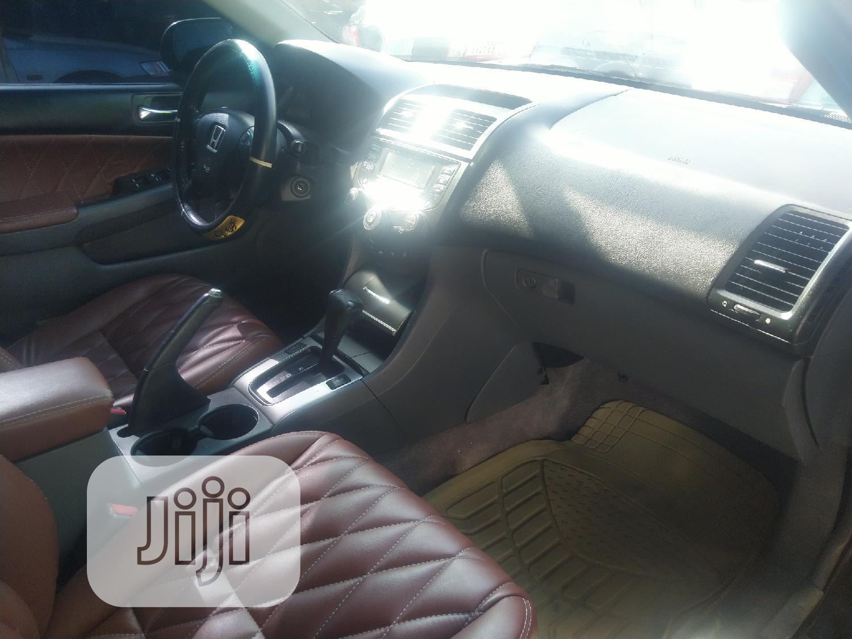 Archive: Honda Accord 2003 Automatic Gray