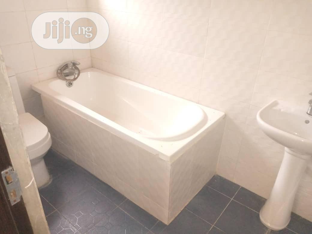 Archive: Brand New 3 Bedroom Flat