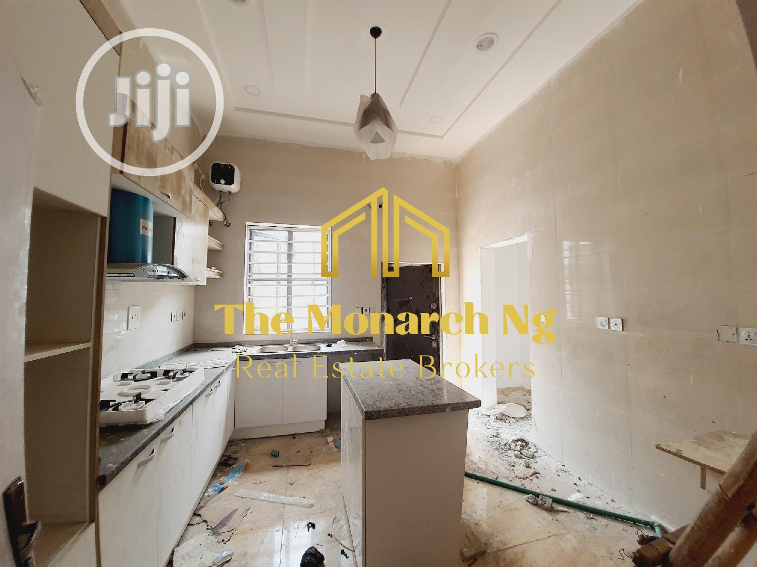 5 Bedrooms Semi-Detached Duplex House and Apartment (Home)   Houses & Apartments For Sale for sale in Chevron, Lekki, Nigeria