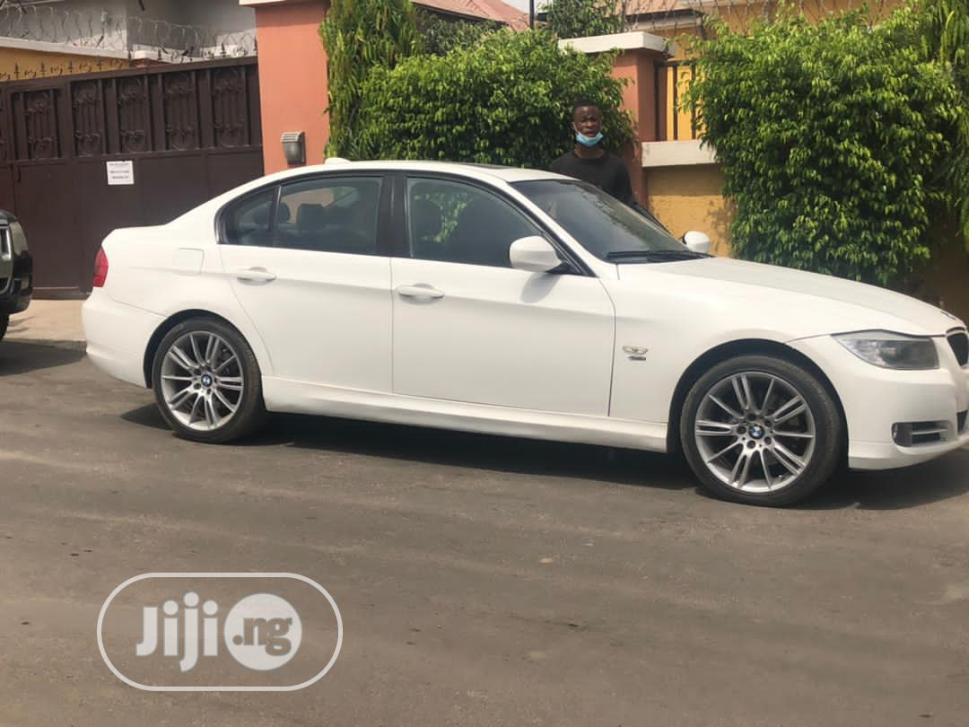 Archive: BMW 328i 2011 White