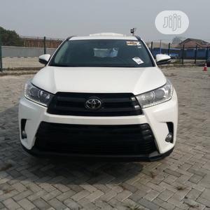 Toyota Highlander 2017 SE 4x4 V6 (3.5L 6cyl 8A) White   Cars for sale in Lagos State, Lekki