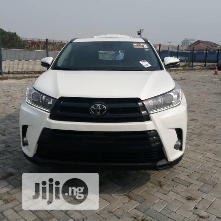 Toyota Highlander 2017 SE 4x4 V6 (3.5L 6cyl 8A) White