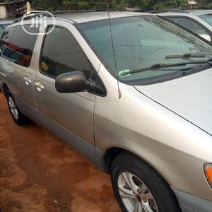 Toyota Sienna 2002 Silver | Cars for sale in Lagos State, Amuwo-Odofin