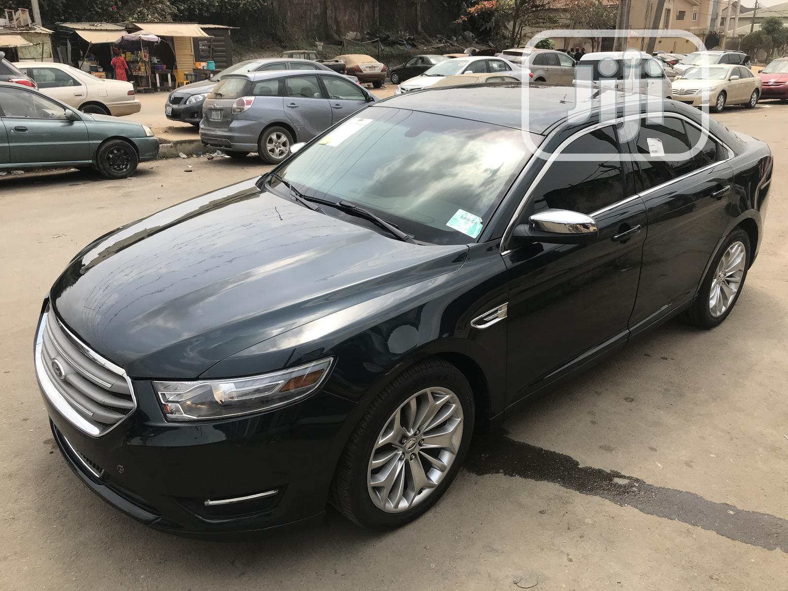 Archive: Ford Taurus 2014 Green