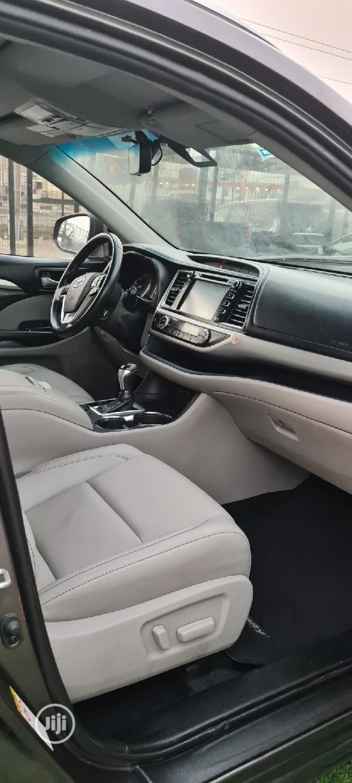 Toyota Highlander 2019 XLE Gray   Cars for sale in Lekki, Lagos State, Nigeria