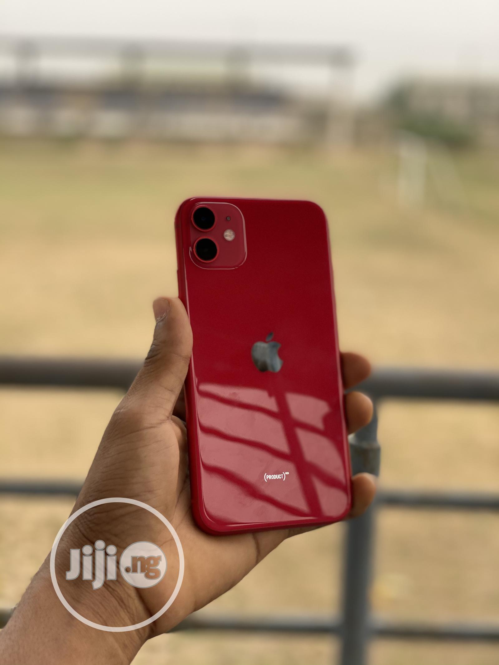 Apple iPhone 11 64 GB Red