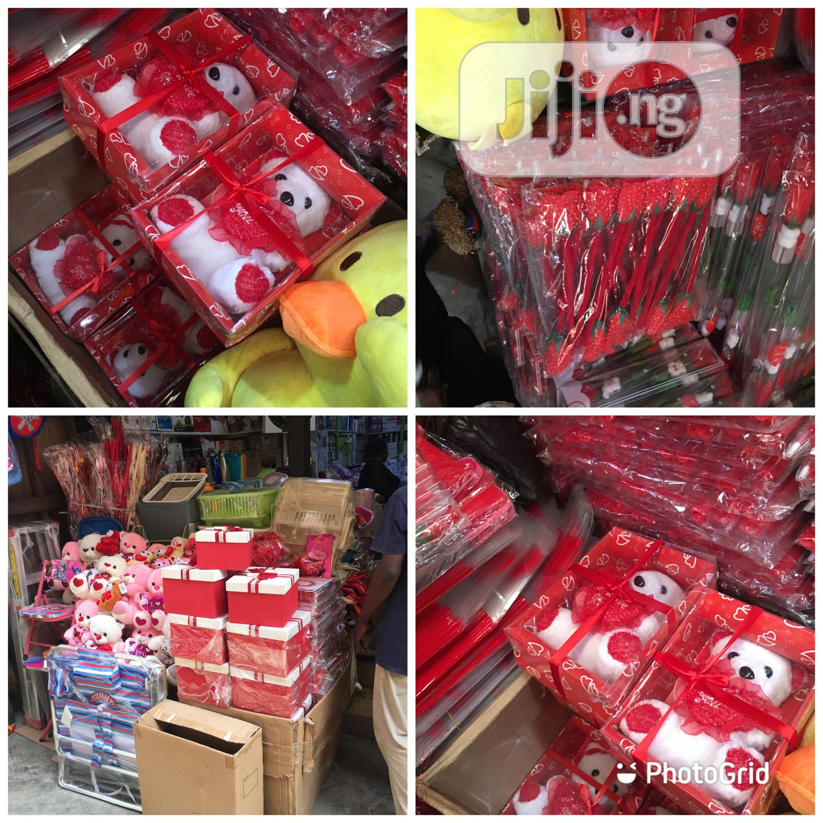 Archive: Valentine Gifts,Teddy Bears and Gifts Packages