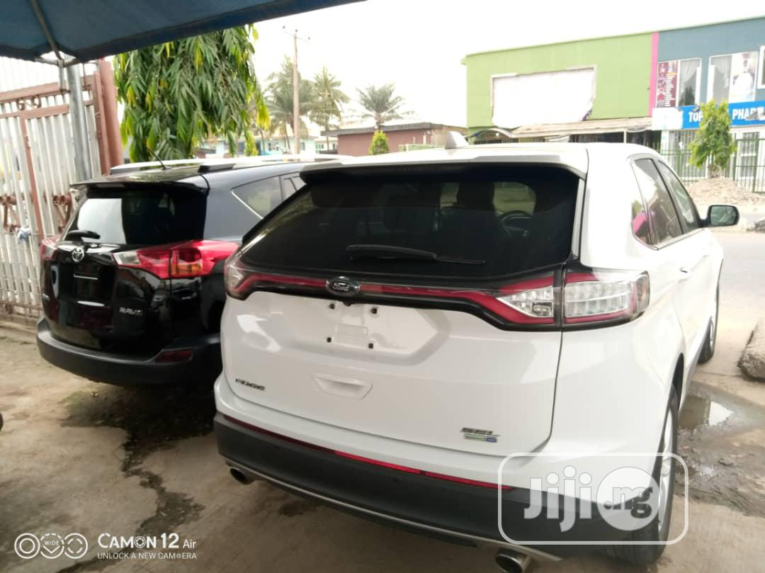 Archive: Ford Edge 2015 White