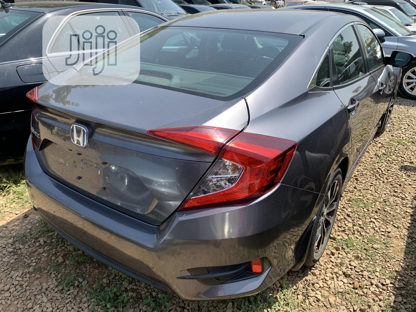 Honda Civic 2016 Gray | Cars for sale in Central Business Dis, Abuja (FCT) State, Nigeria