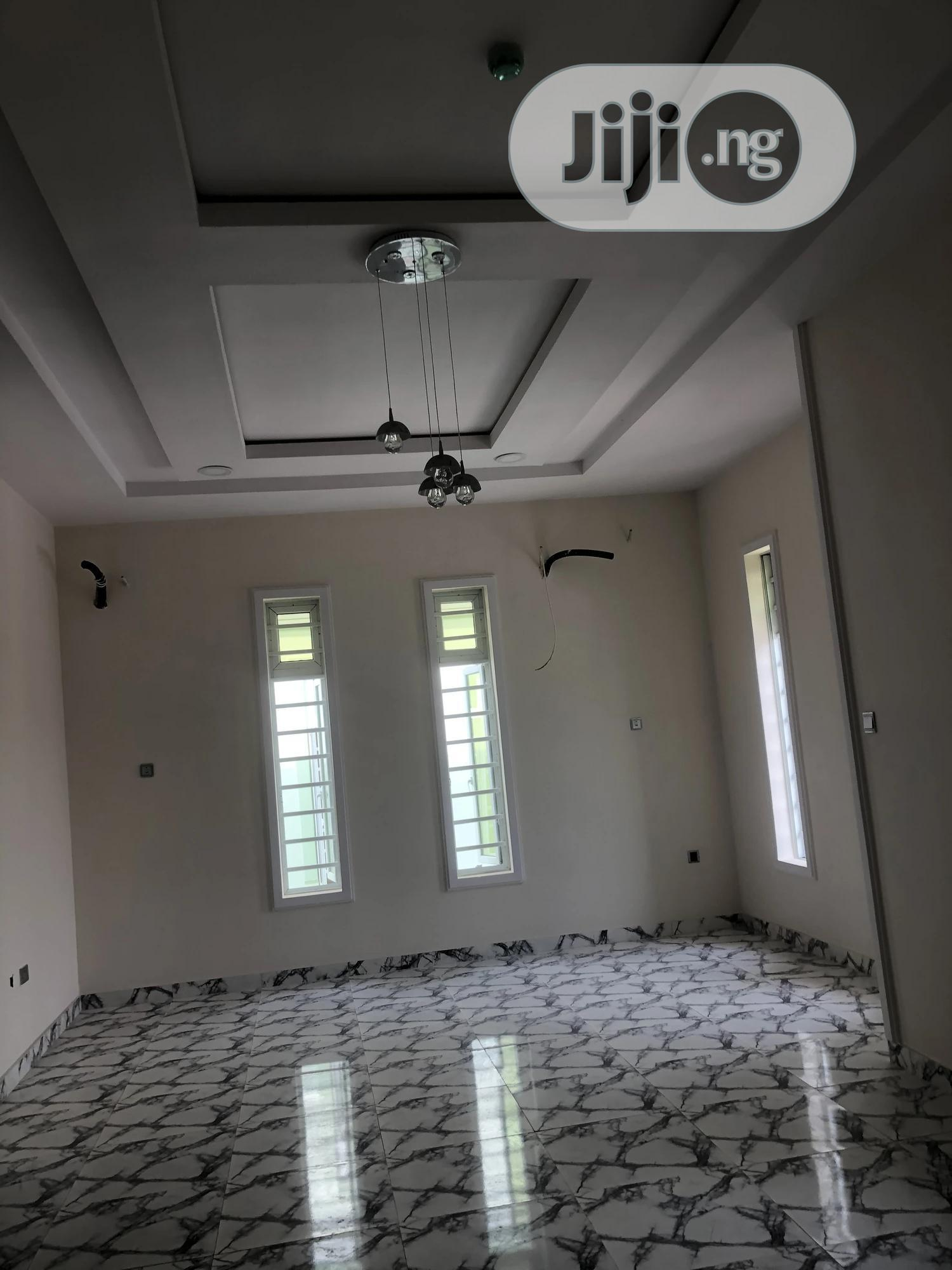 Newly Built 5 Bedrooms Detached Duplex With BQ In An Estate | Houses & Apartments For Sale for sale in Asokoro, Abuja (FCT) State, Nigeria
