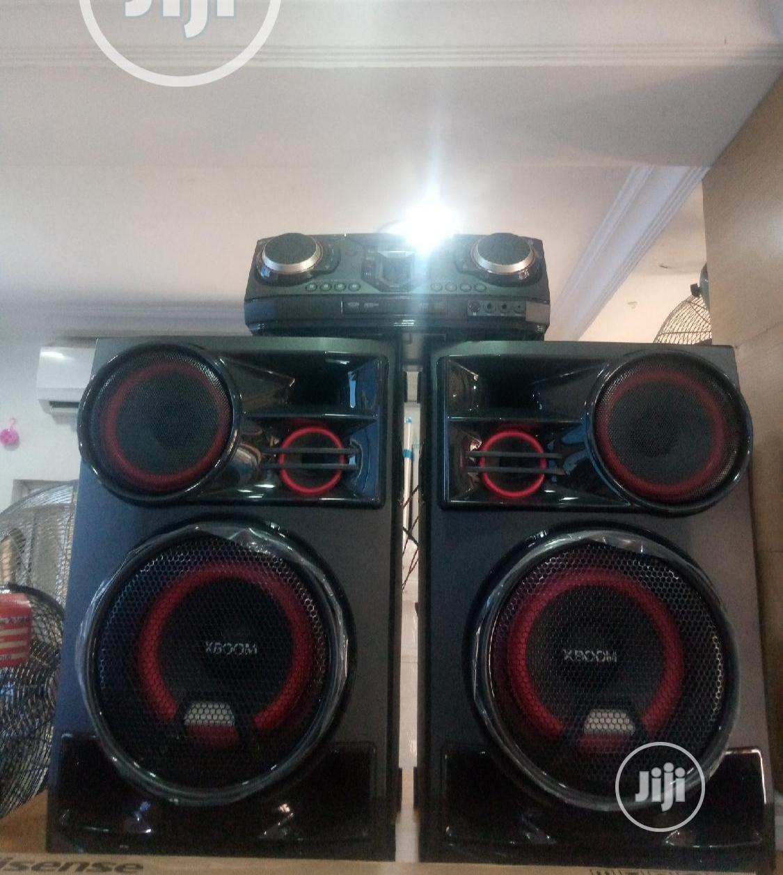 LG Xboom 3500W Entertainment System(Karaoke S DJ Effects