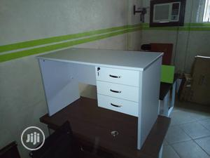 White Office Table 4 Ft   Furniture for sale in Lagos State, Amuwo-Odofin