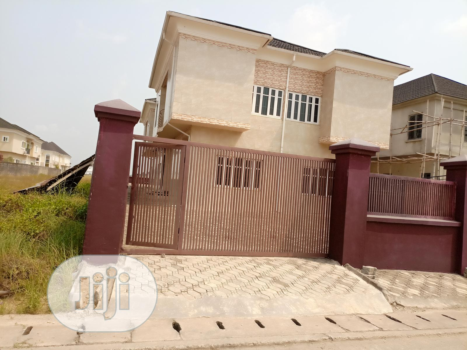 5 Bedrooms Duplex With a Bq for Sale at Mayfair Gardens Esta