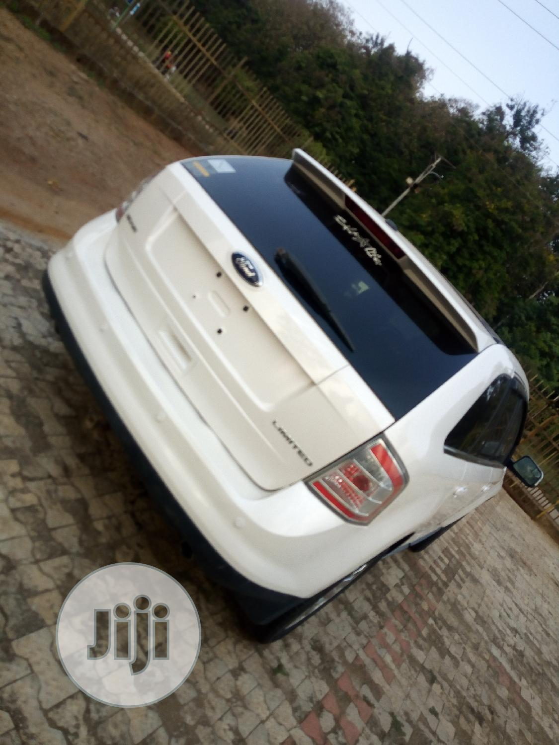 Archive: Ford Edge 2009 White