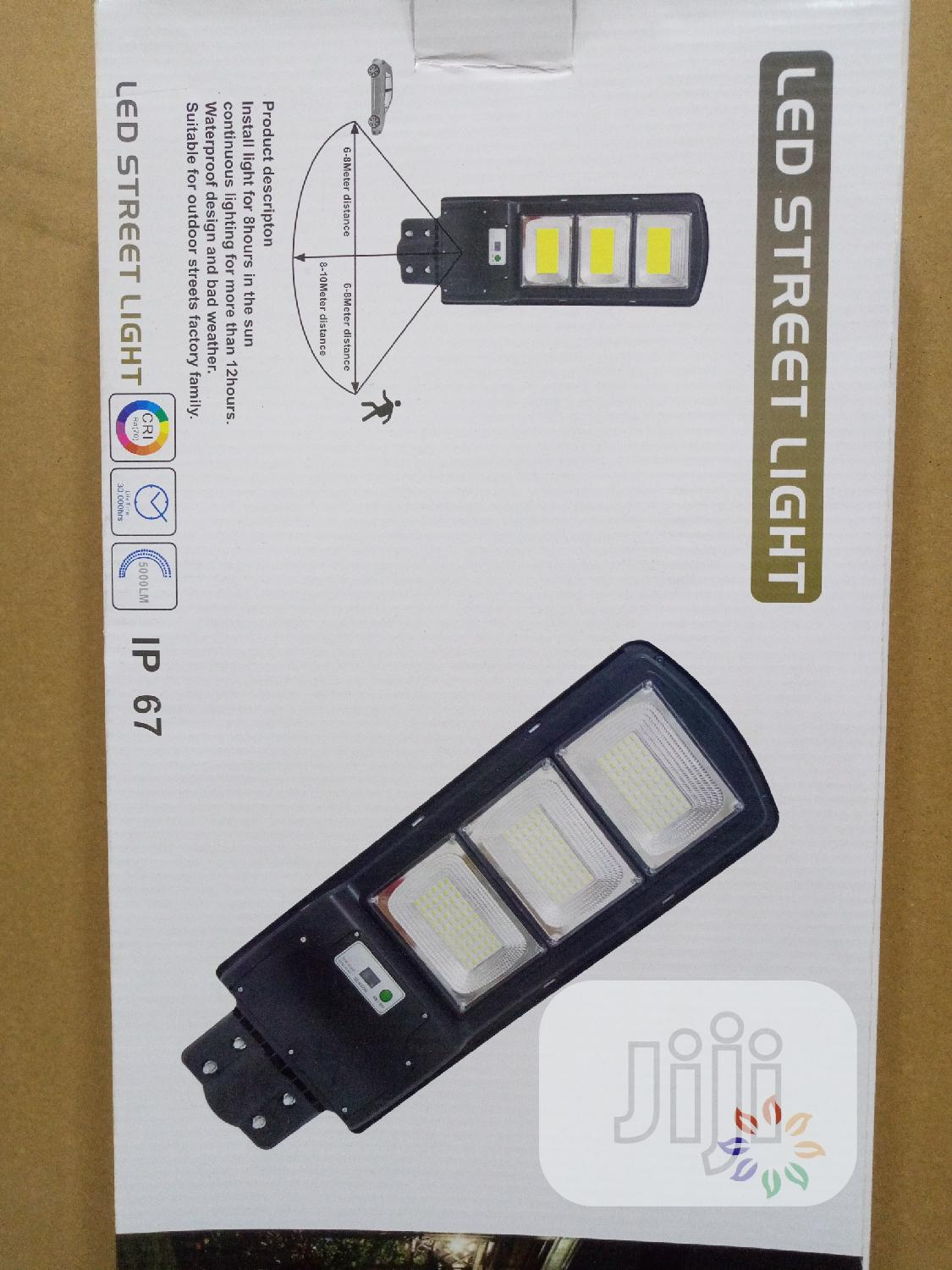 90W All-In-One Solar Street Light With Wall Pole