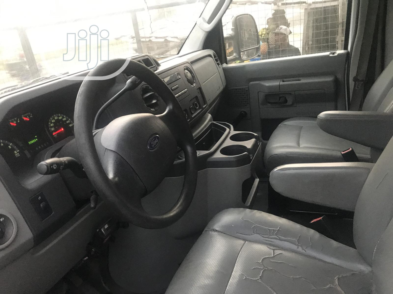 Clean Used Ford E250 2012 White For Sale. | Buses & Microbuses for sale in Ajah, Lagos State, Nigeria