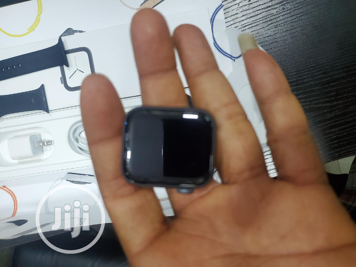Apple Watch Series 4 40mm | Smart Watches & Trackers for sale in Onitsha, Anambra State, Nigeria