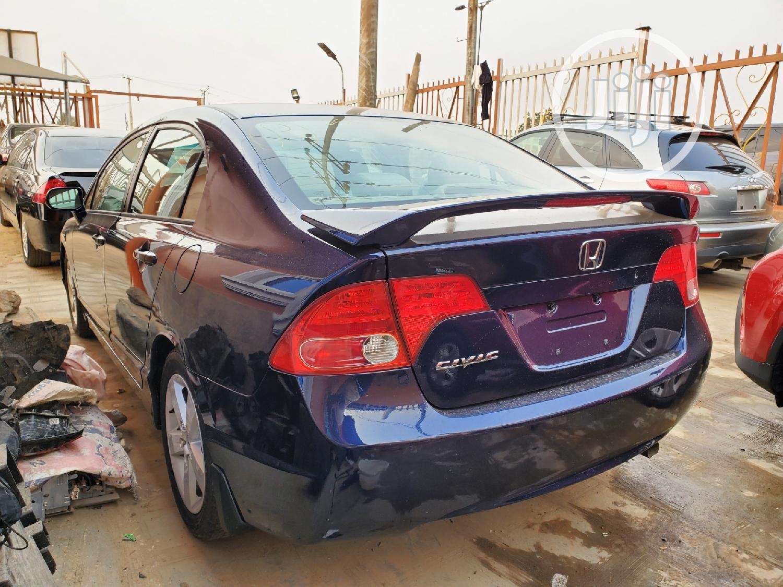 Archive: Honda Civic 2006 1.8 Sport Automatic Blue