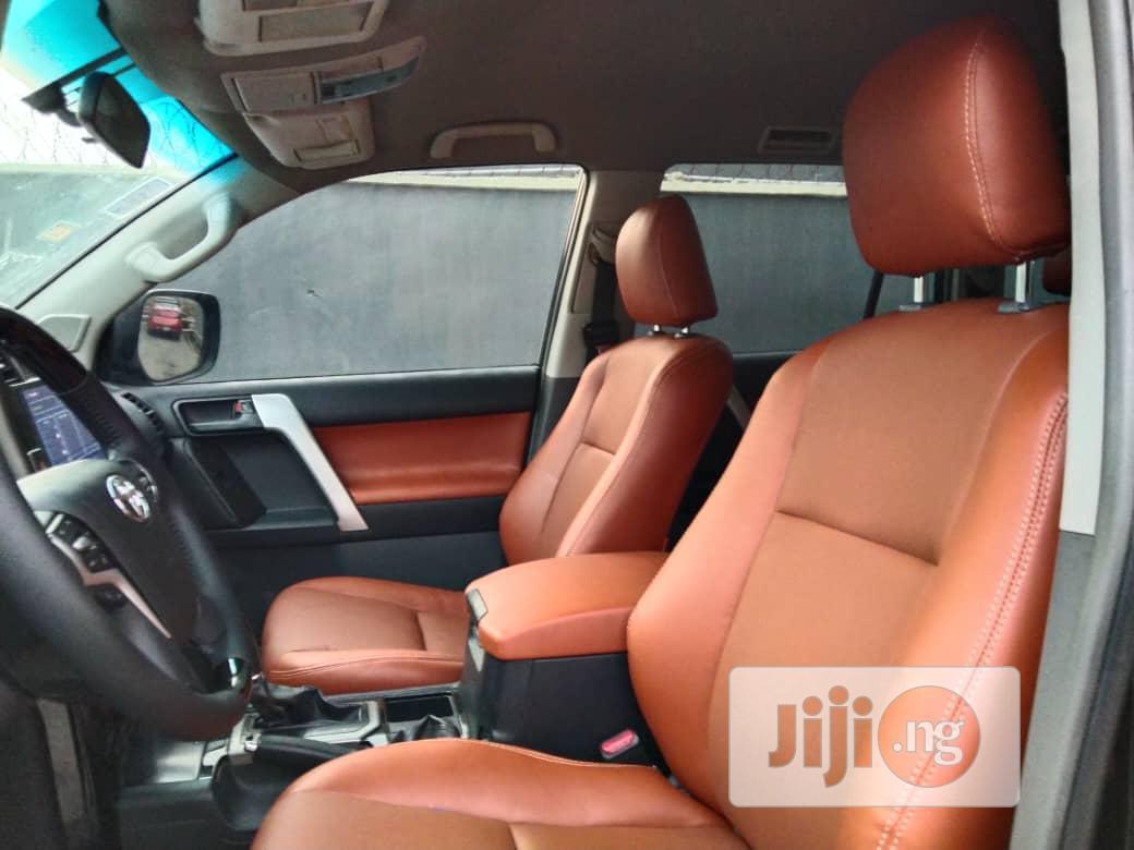Archive: Toyota Land Cruiser Prado 2011 GXL Black