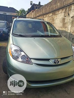 Toyota Sienna 2009 XLE AWD Green | Cars for sale in Lagos State, Isolo