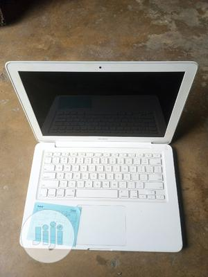 Laptop Apple MacBook 2009 4GB Intel Core 2 Duo HDD 250GB   Laptops & Computers for sale in Rivers State, Port-Harcourt