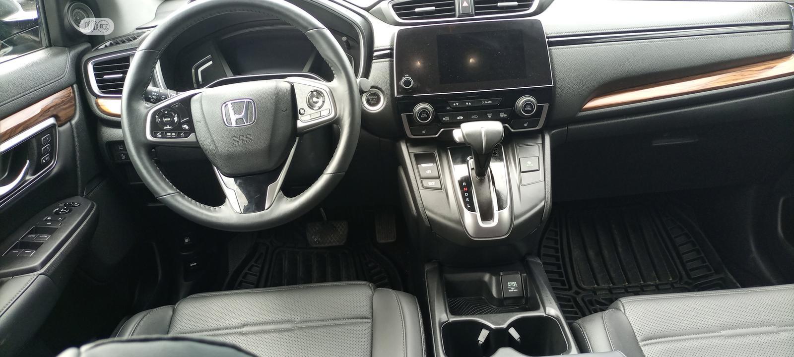 Archive: Honda CR-V 2019 Touring AWD Gray