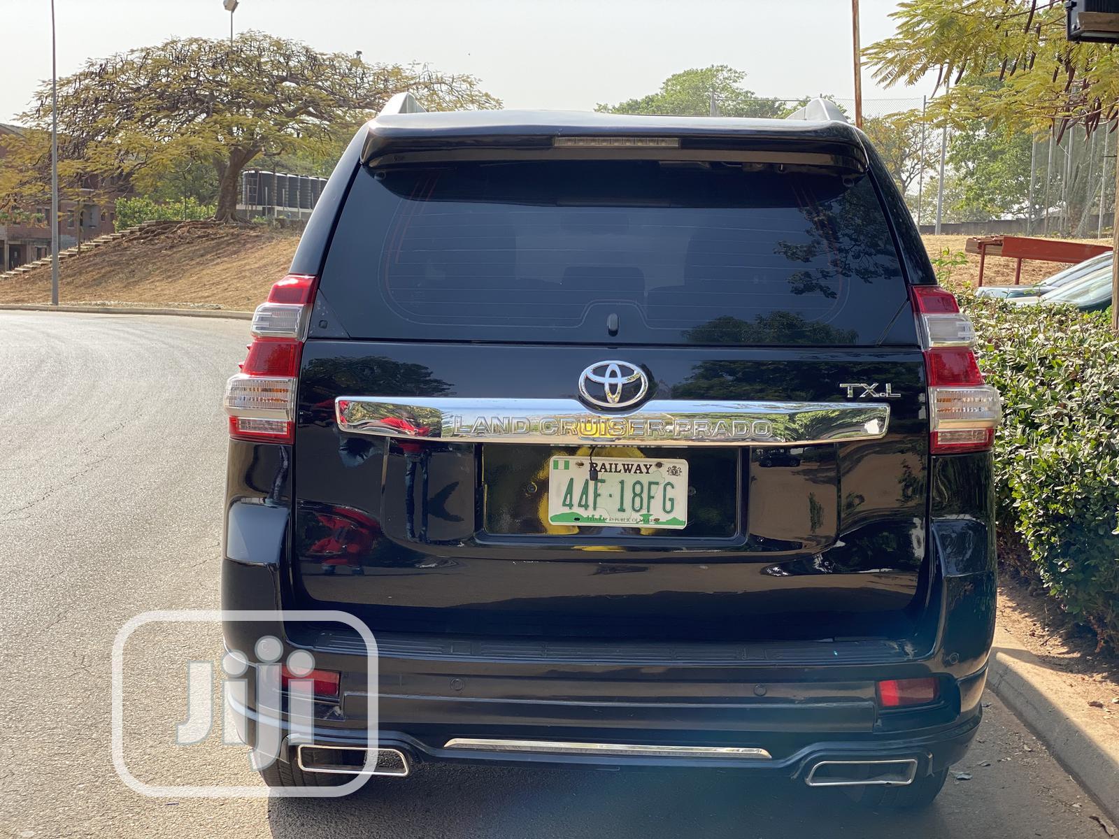 Toyota Land Cruiser Prado 2017 VX Black | Cars for sale in Gwarinpa, Abuja (FCT) State, Nigeria