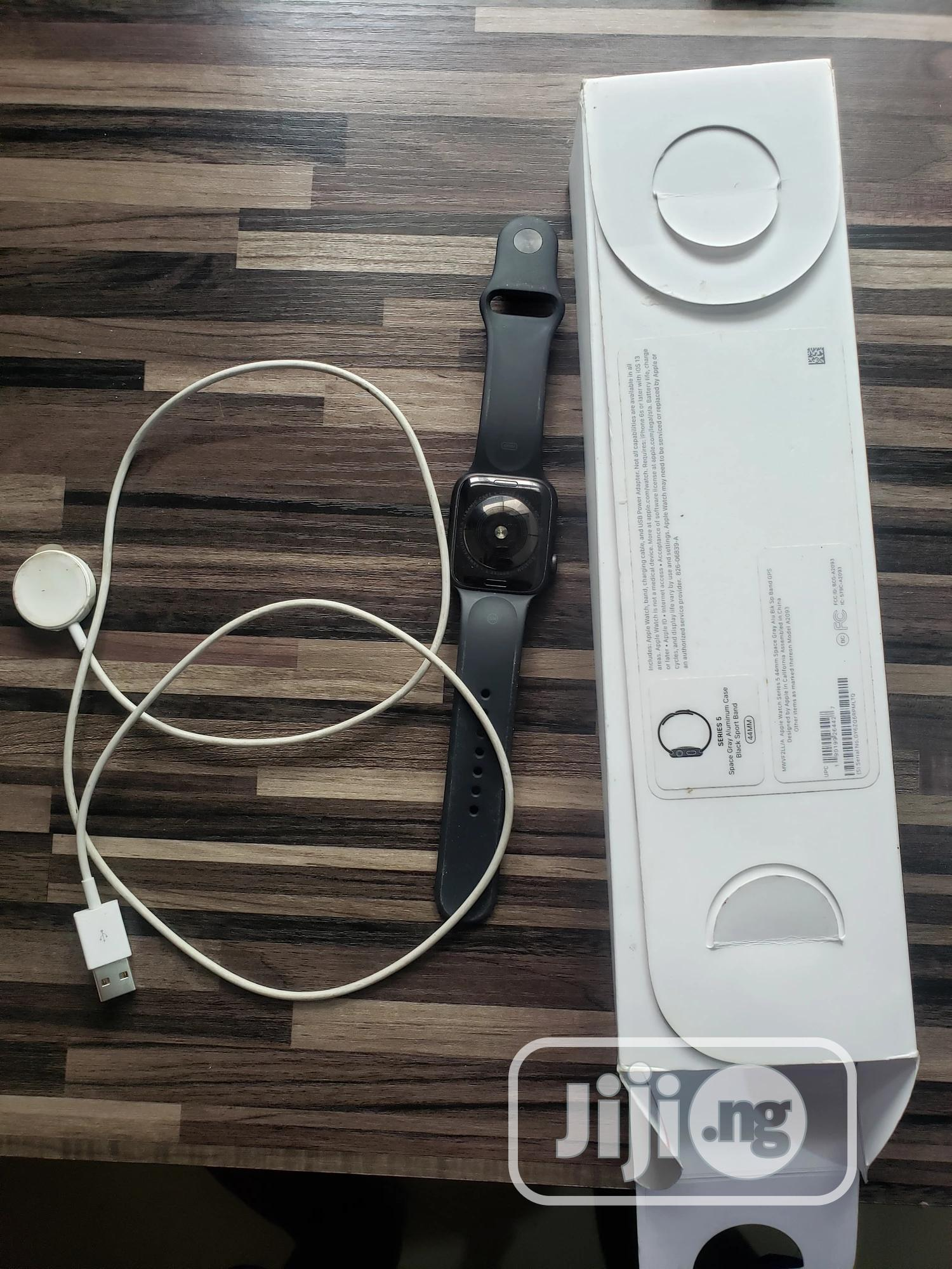 Apple Series 5 44mm | Smart Watches & Trackers for sale in Lekki, Lagos State, Nigeria
