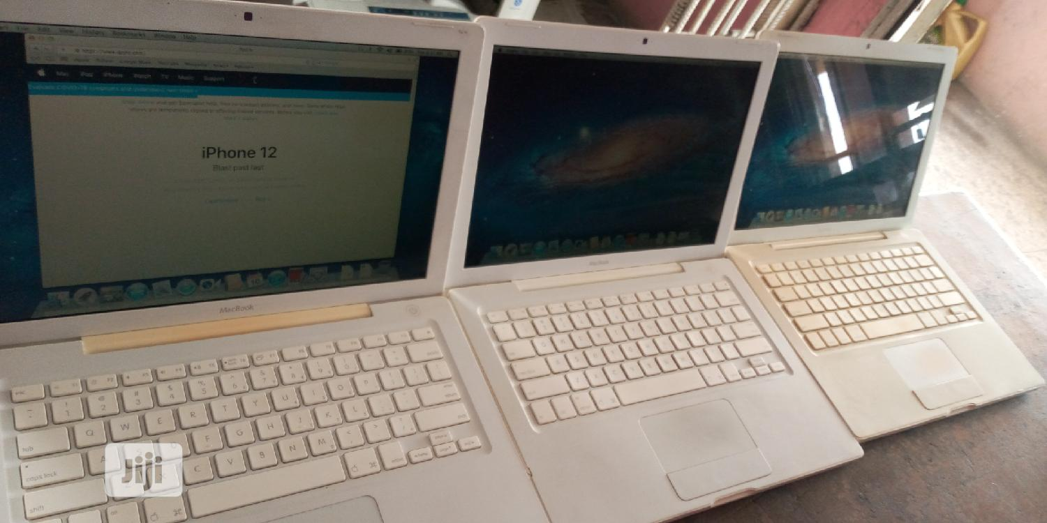Laptop Apple MacBook 2GB Intel Core 2 Duo HDD 250GB | Laptops & Computers for sale in Sapele, Delta State, Nigeria