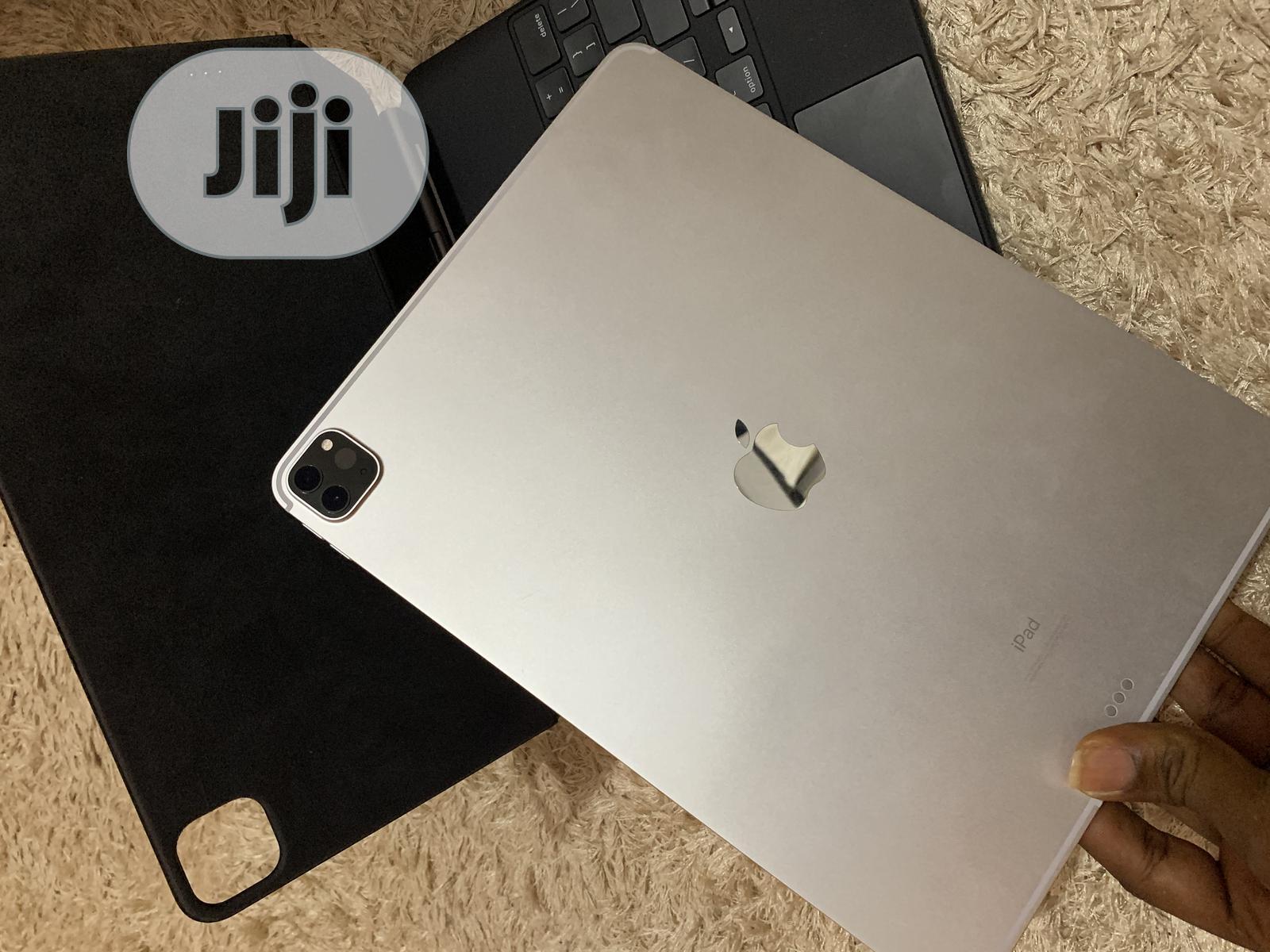 Apple iPad Pro 12.9 (2020) 128 GB Silver   Tablets for sale in Benin City, Edo State, Nigeria