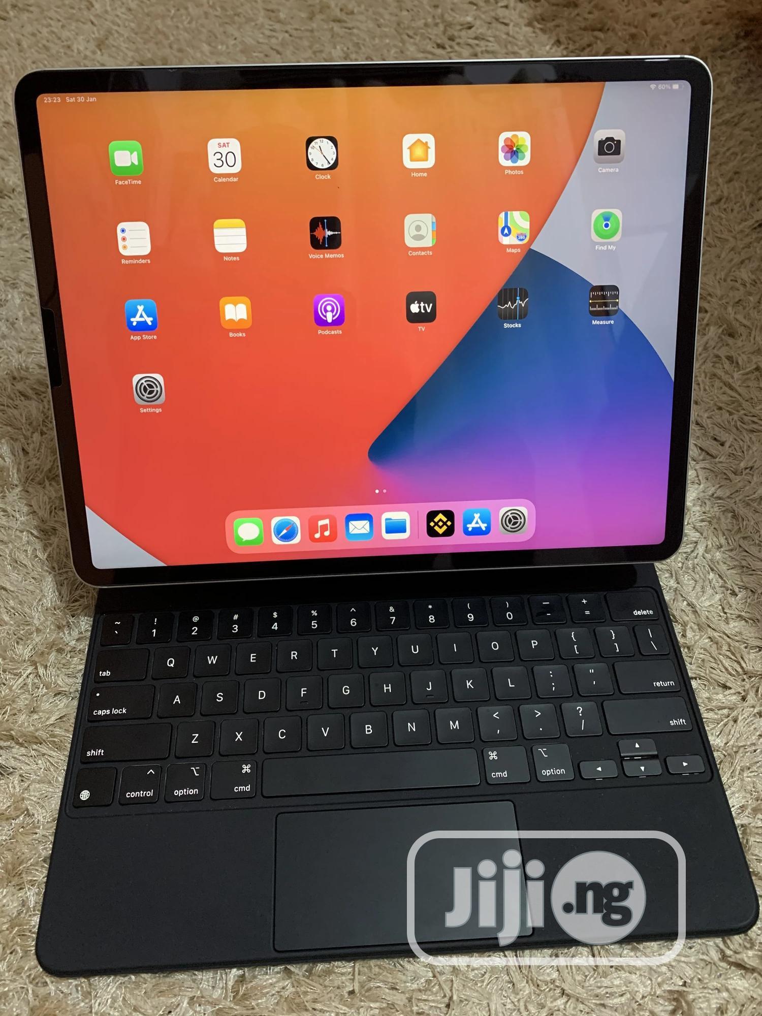 Apple iPad Pro 12.9 (2020) 128 GB Silver