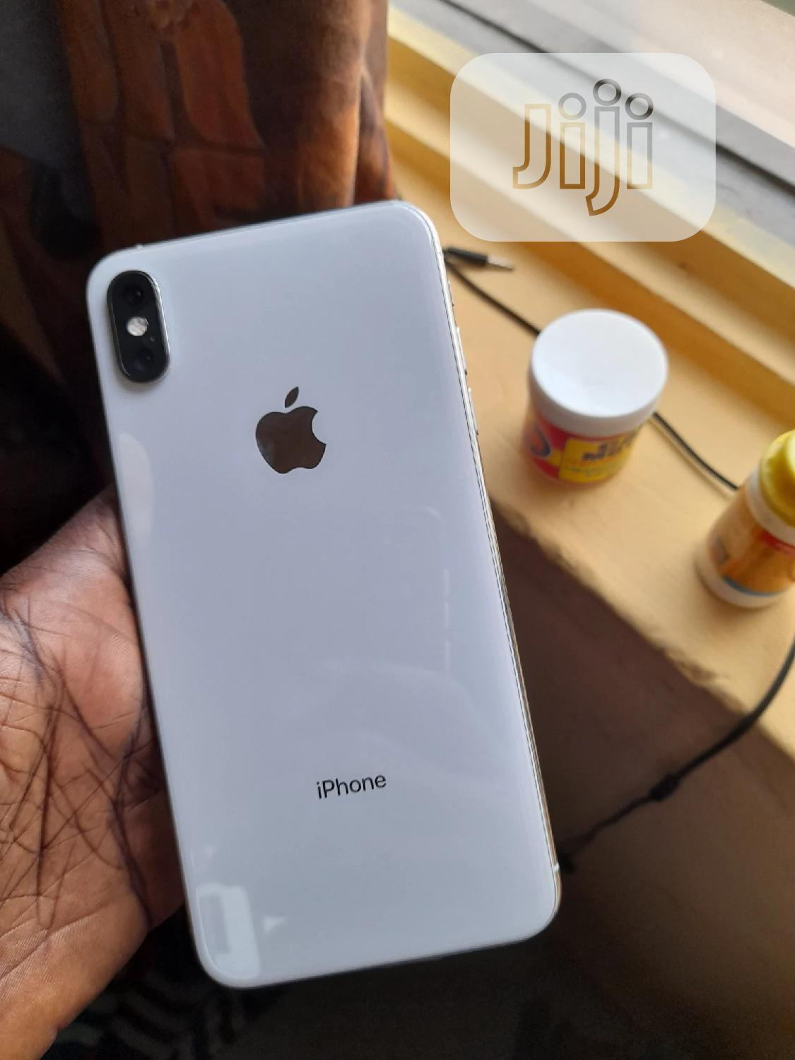 Archive: Apple iPhone XS Max 256 GB White