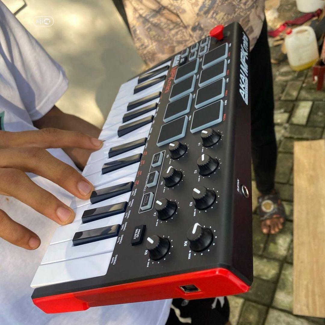 AKAI Professional MPK Mini - 25keys USB Midi Keyboard