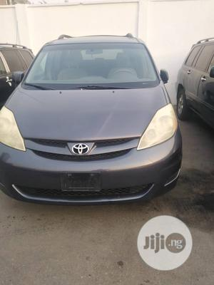 Toyota Sienna 2005 XLE Purple   Cars for sale in Lagos State, Surulere