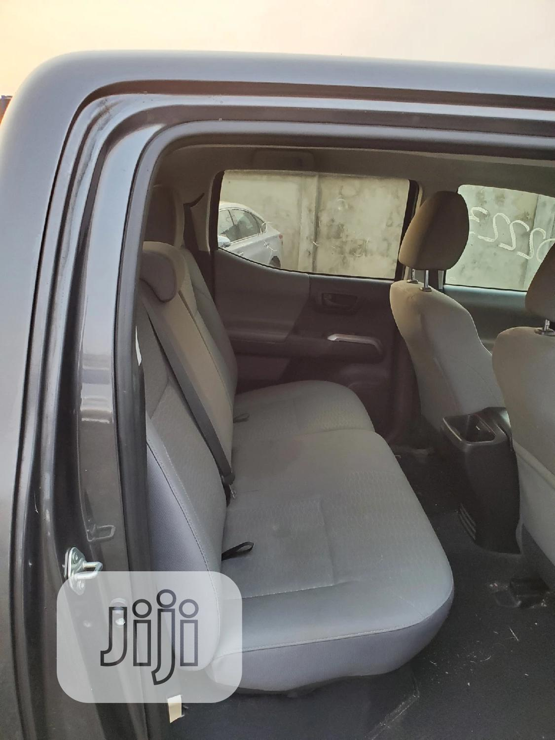 Toyota Tacoma 2016 4dr Double Cab Gray | Cars for sale in Ikorodu, Lagos State, Nigeria