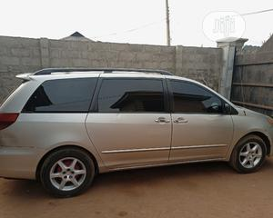 Toyota Sienna 2004 LE FWD (3.3L V6 5A) Gold | Cars for sale in Ogun State, Ado-Odo/Ota
