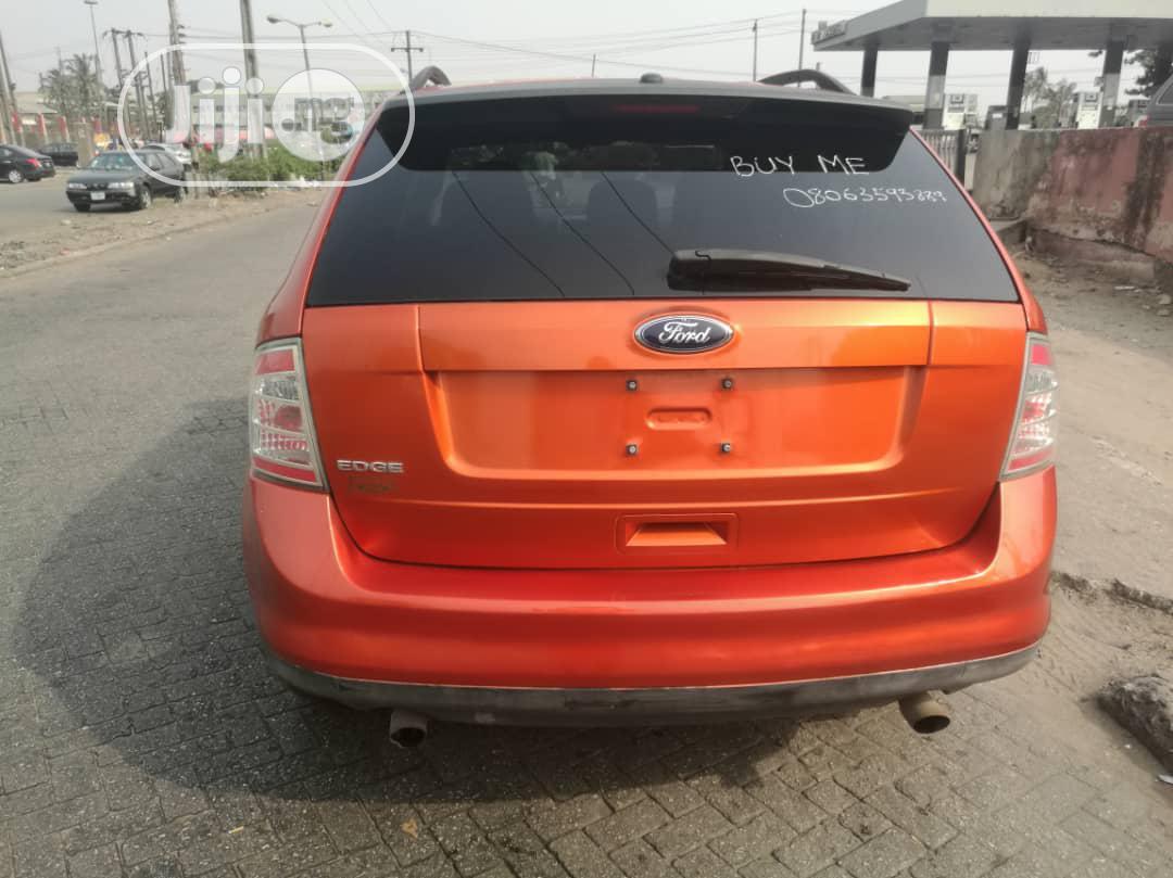 Archive: Ford Edge 2008 Orange