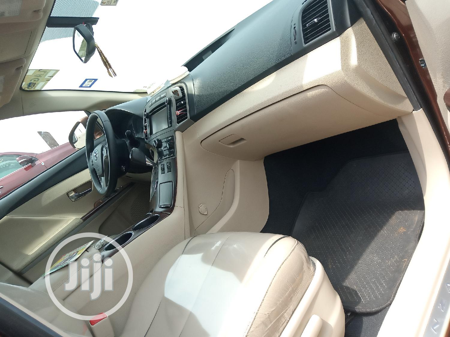 Archive: Toyota Venza 2014 Brown