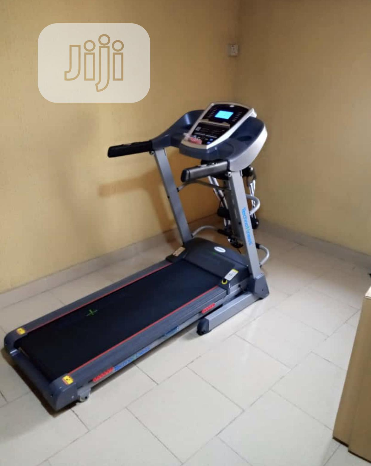 2.5hp Treadmill With Massager and Auto Incline