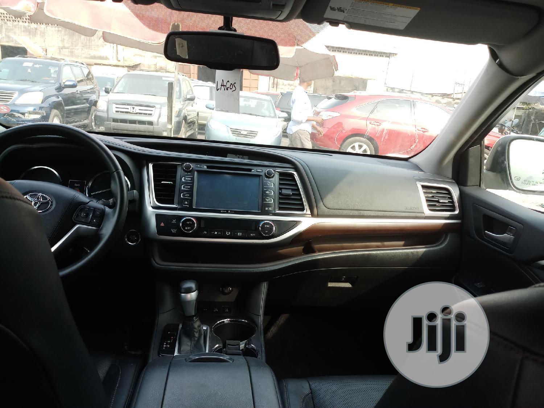 Toyota Highlander 2014 White | Cars for sale in Amuwo-Odofin, Lagos State, Nigeria