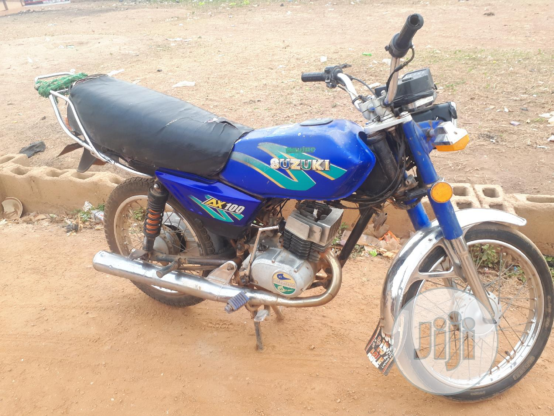 Archive: Suzuki Bike 2011 Blue