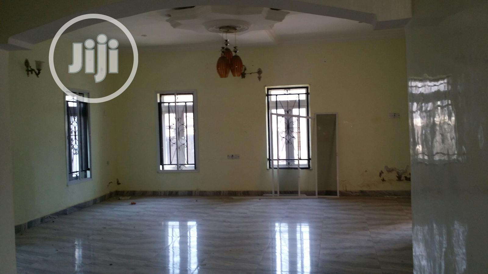 Charming 5 Bedroom Penthouse for Sale