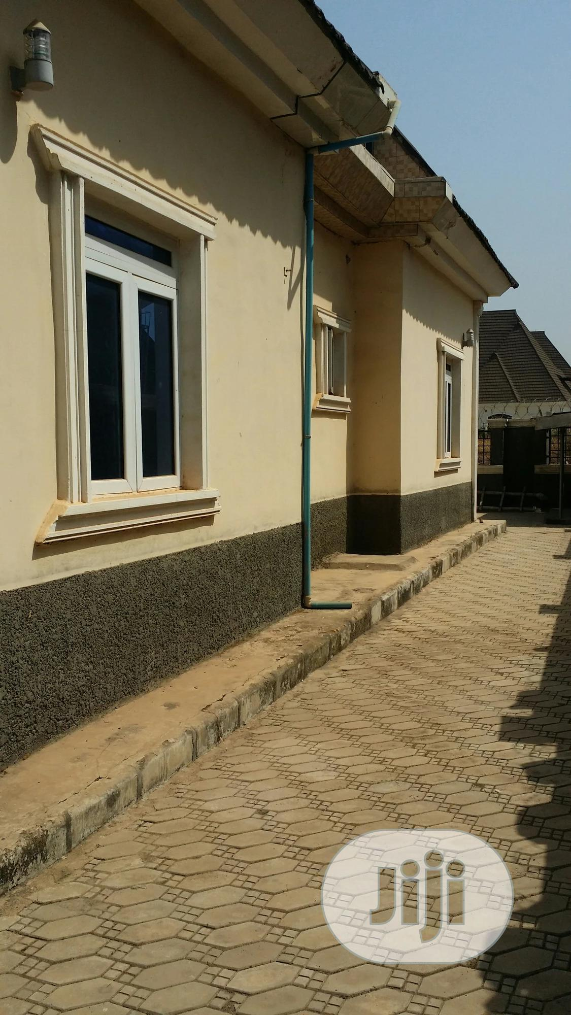 Charming 5 Bedroom Penthouse for Sale | Houses & Apartments For Sale for sale in Lugbe District, Abuja (FCT) State, Nigeria