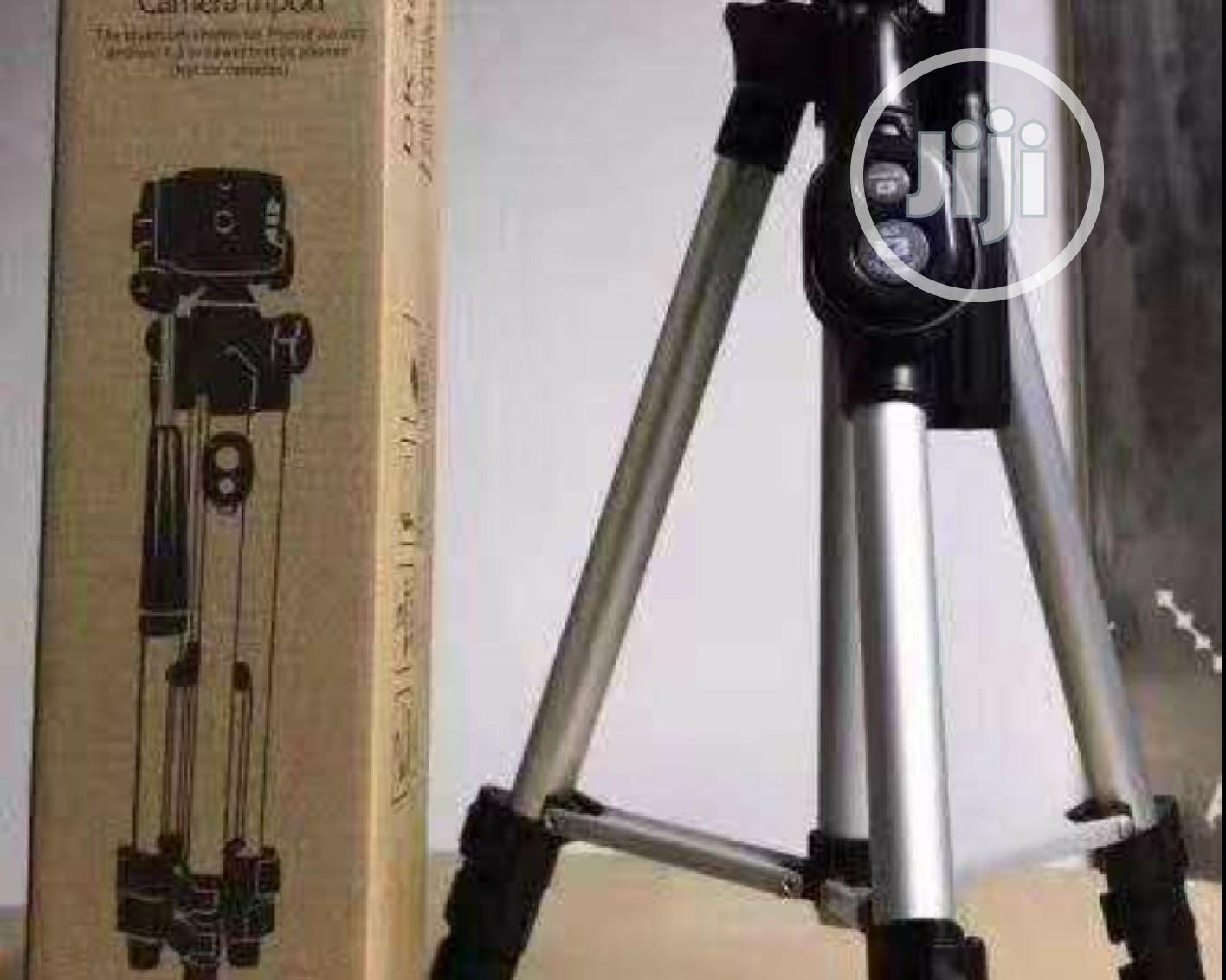 Aluminum Tripod Stand With Bluetooth Remote