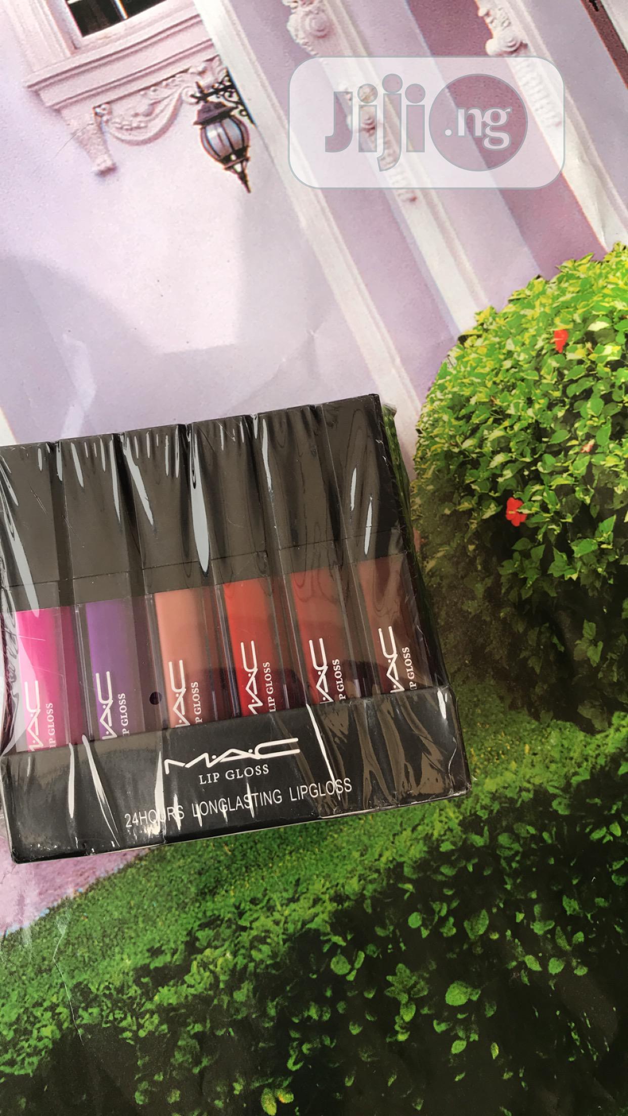 Pack of Lipstick